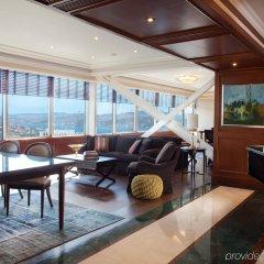 Отель The Ritz-Carlton, Istanbul гостиничный бар