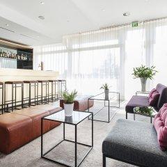 Отель AZIMUT Hotel Munich Германия, Мюнхен - 10 отзывов об отеле, цены и фото номеров - забронировать отель AZIMUT Hotel Munich онлайн интерьер отеля