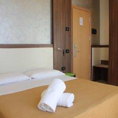 Hotel Mondial Порто Реканати сейф в номере