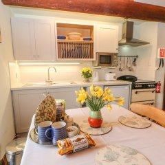 Отель Manifold Cottage в номере