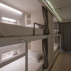 Отель Sleepbox Sukhumvit 22 Бангкок бассейн