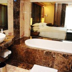 Отель Radisson Blu Plaza Delhi Airport ванная фото 2