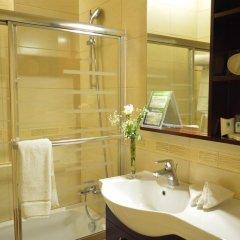 Отель Comfort Hotel Suites Иордания, Амман - отзывы, цены и фото номеров - забронировать отель Comfort Hotel Suites онлайн ванная