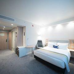 Отель Holiday Inn Express Moscow Baumanskaya Москва комната для гостей фото 5