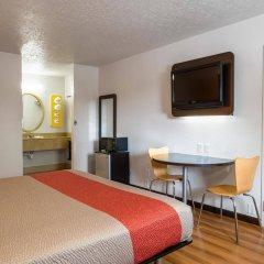 Отель Motel 6 Columbus OSU США, Колумбус - отзывы, цены и фото номеров - забронировать отель Motel 6 Columbus OSU онлайн удобства в номере