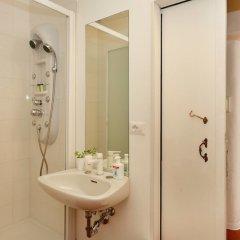 Отель Lucretia House Affittacamere Италия, Флоренция - отзывы, цены и фото номеров - забронировать отель Lucretia House Affittacamere онлайн ванная