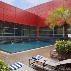 Отель Royal Plaza On Scotts Сингапур, Сингапур - отзывы, цены и фото номеров - забронировать отель Royal Plaza On Scotts онлайн бассейн фото 2