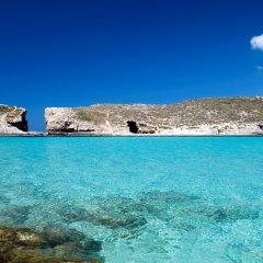 Отель Holiday Inn Express Malta Мальта, Сан Джулианс - отзывы, цены и фото номеров - забронировать отель Holiday Inn Express Malta онлайн пляж фото 2