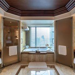 Отель The Peninsula Bangkok Таиланд, Бангкок - 1 отзыв об отеле, цены и фото номеров - забронировать отель The Peninsula Bangkok онлайн ванная