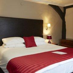 Отель Bull Hotel Великобритания, Халстед - отзывы, цены и фото номеров - забронировать отель Bull Hotel онлайн сейф в номере