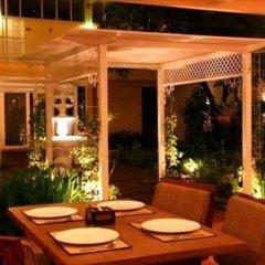 Отель Feung Nakorn Balcony Rooms & Cafe Бангкок фото 6