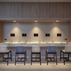 Отель Amari Don Muang Airport Bangkok гостиничный бар
