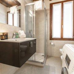 Отель Venetian Exclusive Apartment R&R Италия, Венеция - отзывы, цены и фото номеров - забронировать отель Venetian Exclusive Apartment R&R онлайн ванная