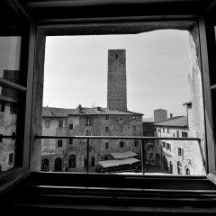 Отель Leon Bianco Италия, Сан-Джиминьяно - отзывы, цены и фото номеров - забронировать отель Leon Bianco онлайн балкон