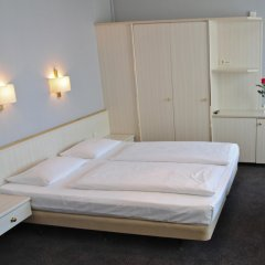 Berlin Plaza Hotel am Kurfurstendamm комната для гостей