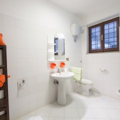 Отель Frascati Country House Италия, Гроттаферрата - отзывы, цены и фото номеров - забронировать отель Frascati Country House онлайн ванная