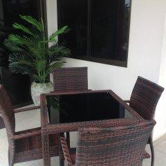 Отель Sansuko Ville Bungalow Resort Таиланд, Пхукет - 8 отзывов об отеле, цены и фото номеров - забронировать отель Sansuko Ville Bungalow Resort онлайн балкон
