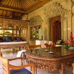 Отель Matahari Beach Resort & Spa гостиничный бар