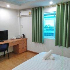 Отель Resort M - MRT Huai Kwang Таиланд, Бангкок - отзывы, цены и фото номеров - забронировать отель Resort M - MRT Huai Kwang онлайн комната для гостей фото 2