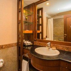 Отель Shangri La Hotel Непал, Катманду - отзывы, цены и фото номеров - забронировать отель Shangri La Hotel онлайн ванная фото 2
