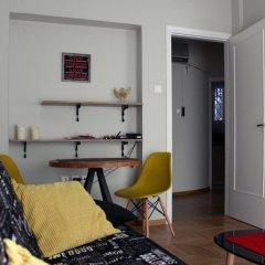 Апартаменты Cheery Apartment in the Center of Athens комната для гостей фото 5