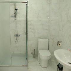 Отель «Гюмри» Армения, Гюмри - отзывы, цены и фото номеров - забронировать отель «Гюмри» онлайн ванная