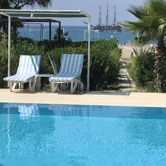 Hotel Grün Сиде бассейн