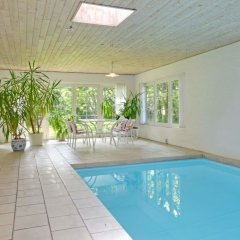 Отель Troldhede бассейн