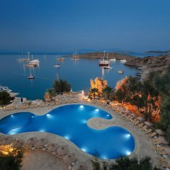 Отель Bodrum Bay Resort - All Inclusive бассейн