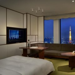 Отель Andaz Tokyo Toranomon Hills - a concept by Hyatt Япония, Токио - 1 отзыв об отеле, цены и фото номеров - забронировать отель Andaz Tokyo Toranomon Hills - a concept by Hyatt онлайн комната для гостей фото 2