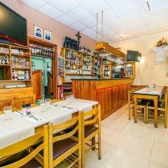 Отель Lantern Guest House Мальта, Зеббудж - отзывы, цены и фото номеров - забронировать отель Lantern Guest House онлайн гостиничный бар