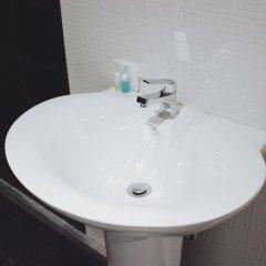 Henry'S Hotel And Gastropub Бангкок ванная фото 2