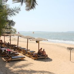 Отель Sandalwood Hotel & Retreat Индия, Гоа - отзывы, цены и фото номеров - забронировать отель Sandalwood Hotel & Retreat онлайн пляж фото 2