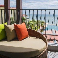 Отель Dusit Princess Moonrise Beach Resort балкон