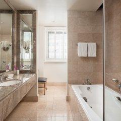 Beverly Wilshire, A Four Seasons Hotel ванная фото 2