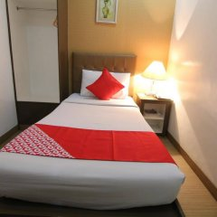 Отель OYO 106 24H City Hotel Филиппины, Макати - отзывы, цены и фото номеров - забронировать отель OYO 106 24H City Hotel онлайн комната для гостей фото 3