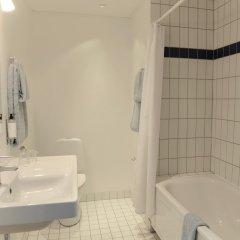 Отель Savoy Hotel Дания, Копенгаген - 6 отзывов об отеле, цены и фото номеров - забронировать отель Savoy Hotel онлайн ванная фото 2