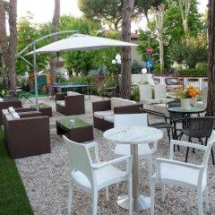 Hotel Pierre Riccione бассейн