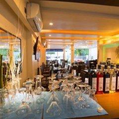 Отель Whiteharp Beach Inn Мальдивы, Мале - отзывы, цены и фото номеров - забронировать отель Whiteharp Beach Inn онлайн гостиничный бар