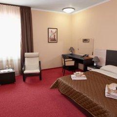 Гостиница Парк-отель Прага в Тюмени 10 отзывов об отеле, цены и фото номеров - забронировать гостиницу Парк-отель Прага онлайн Тюмень комната для гостей фото 5