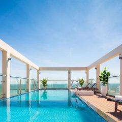 Отель Corvin Hotel Вьетнам, Вунгтау - отзывы, цены и фото номеров - забронировать отель Corvin Hotel онлайн бассейн фото 2