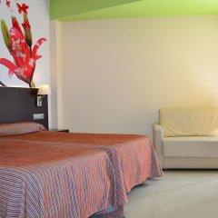 Отель Porto Calpe сейф в номере