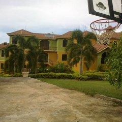 Отель Milbrooks Resort Ямайка, Монтего-Бей - отзывы, цены и фото номеров - забронировать отель Milbrooks Resort онлайн парковка