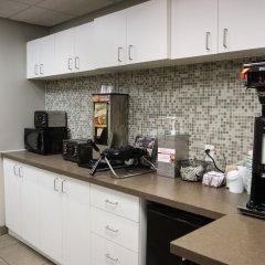 Отель WelcomINNS Ottawa Канада, Оттава - отзывы, цены и фото номеров - забронировать отель WelcomINNS Ottawa онлайн питание фото 2