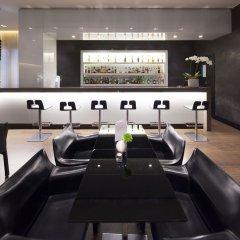 Отель NH Collection Milano President гостиничный бар