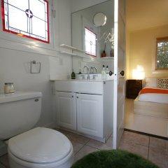 Отель Amoroso Retreat - 947 - 1 Br Home США, Лос-Анджелес - отзывы, цены и фото номеров - забронировать отель Amoroso Retreat - 947 - 1 Br Home онлайн ванная фото 2