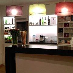 Отель Hostal Los Geranios Del Pinar Торремолинос гостиничный бар
