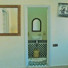 Отель Riad Koutobia Royal Марокко, Марракеш - отзывы, цены и фото номеров - забронировать отель Riad Koutobia Royal онлайн ванная фото 2