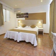 Отель Hostal Adelino комната для гостей фото 3