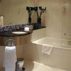 Отель Holiday Inn Express Bilbao Испания, Дерио - отзывы, цены и фото номеров - забронировать отель Holiday Inn Express Bilbao онлайн ванная